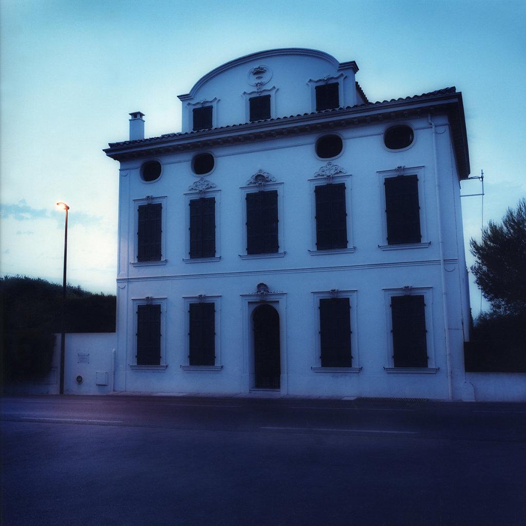 2-Blue-Hotel.jpg